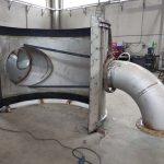 Collettore a calotta in acciaio INOX DN 2500 con derivazioni DN 1000 e DN 500 per l'impianto di depurazione Bari Ovest